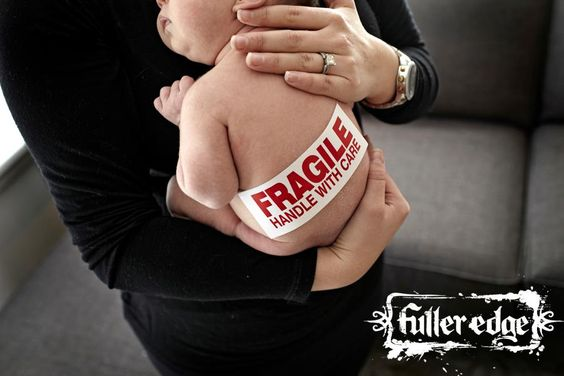 "Fuller Edge Photography, desde 2009 entre os campeões de audiencia no ""favoritos""...  A sweet newborn session on the blog! Check it out http://www.fulleredgeblog.com/"