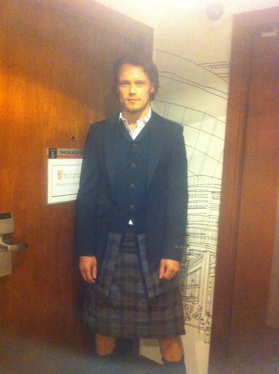 Soooo excited that outlander is being turned in a show on Starz!! - Jamie Alexander Malcolm MacKenzie Fraser everyone #outlander #JAMMF