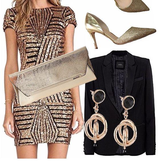 Elegantissimo outfit. Ideale per serata extra-lusso o capodanno, abito oro con paillettes, giacca taglio maschile in raso lucida il tutto abbinato con un elegante décolleté oro ed accessori abbinati.