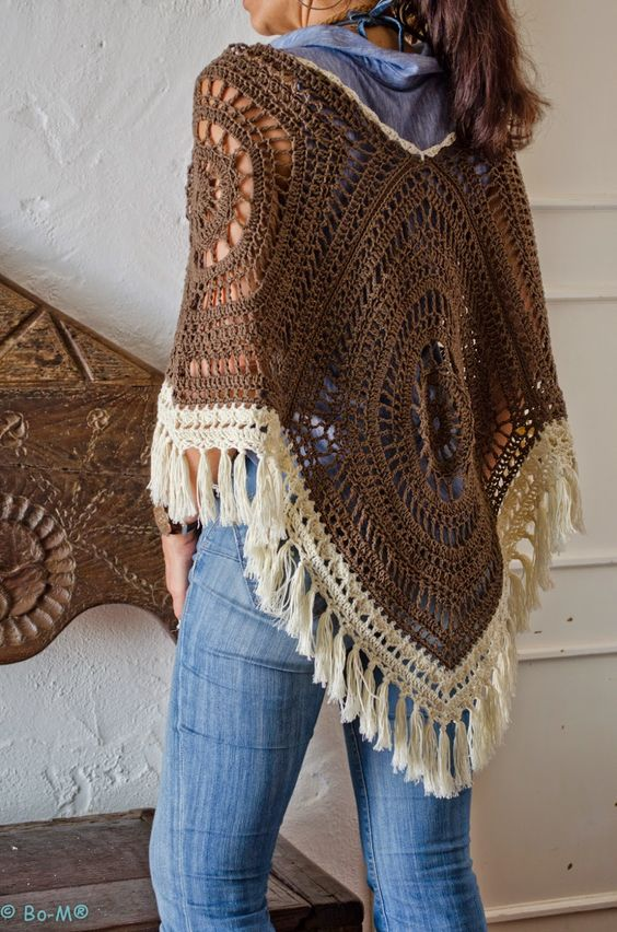 Poncho marrón con flecos marfil... A mi estilo mariadelcandy