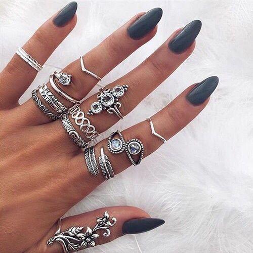 Grey minimalist nail art.