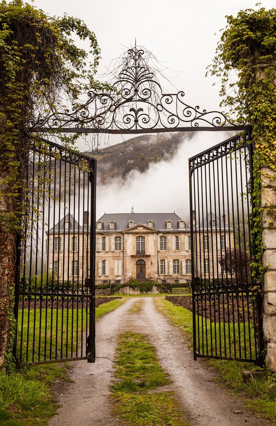 Fog rises over the Château early on a brisk spring day. The dark iron of the gates contrast against the white transparency of the fog. The fields either side of the carriageway have been plowed for wildflowers to flourish in the summer. Our friend Tim Mead has joined the Château restoration family to capture these moments and help with the work.
