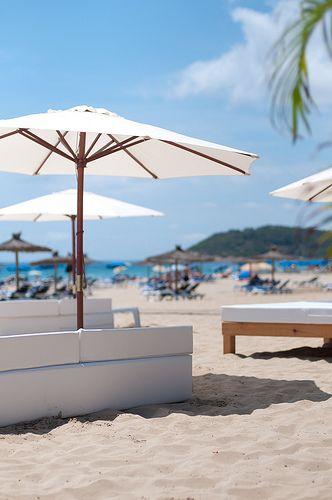Beautiful Ibiza. Muy cerca de Cala Fragata, como su nombre indica, la mejor música de la isla vecna