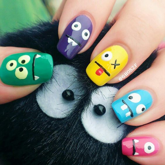 Monster nail art, really easy! @Lisa Phillips-Barton Phillips-Barton Phillips-Barton Mahaffey Workman this could be fun!!
