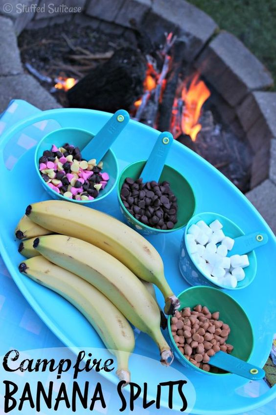 Here's a fun idea for some backyard family fun. Put together a build your own campfire banana split recipe. Great summer or camping fun!