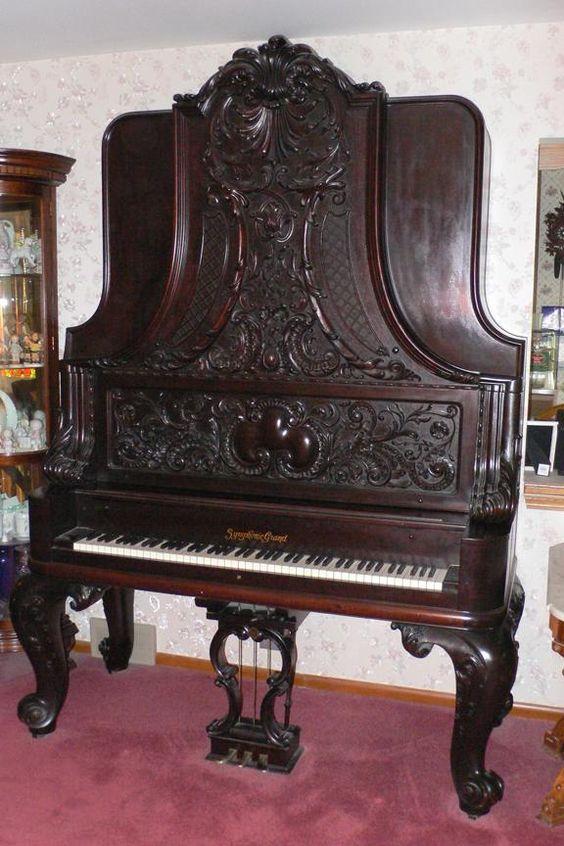 Piano de cola...vertical!  http://www.timtrager.com