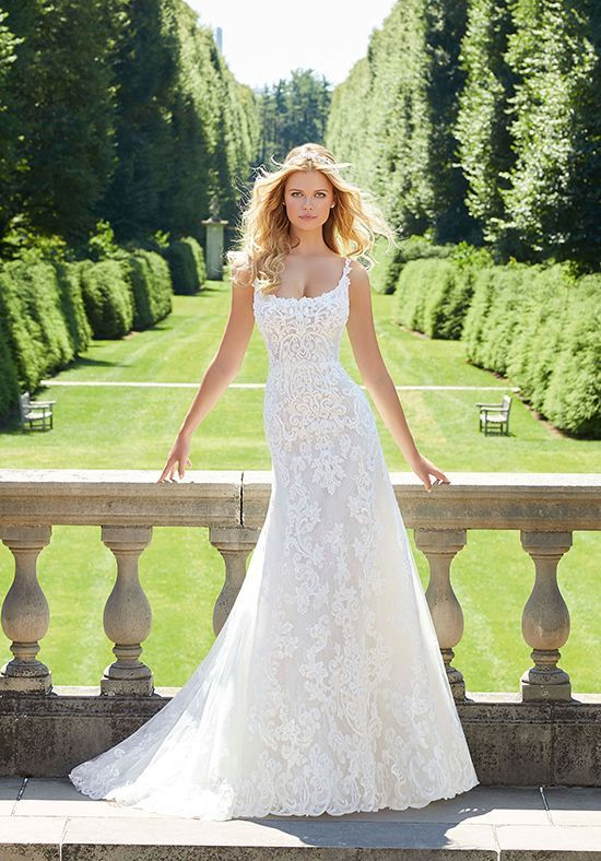 7 Bridal Fashion Trends and What Venue They Look Best In (2021-2022) 4