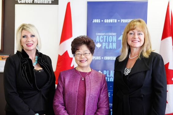 From left to right: Gwen Donaldson (CTC Vancouver);The Honourable Alice Wong, Minister of State (Seniors); and Kim Russell (CTC Surrey).