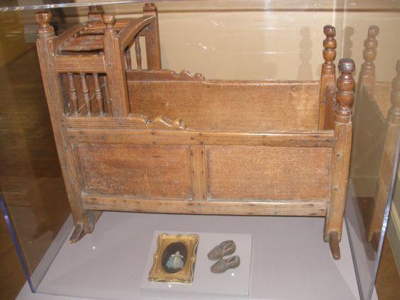 Fuller cradle at Pilgrim Hall