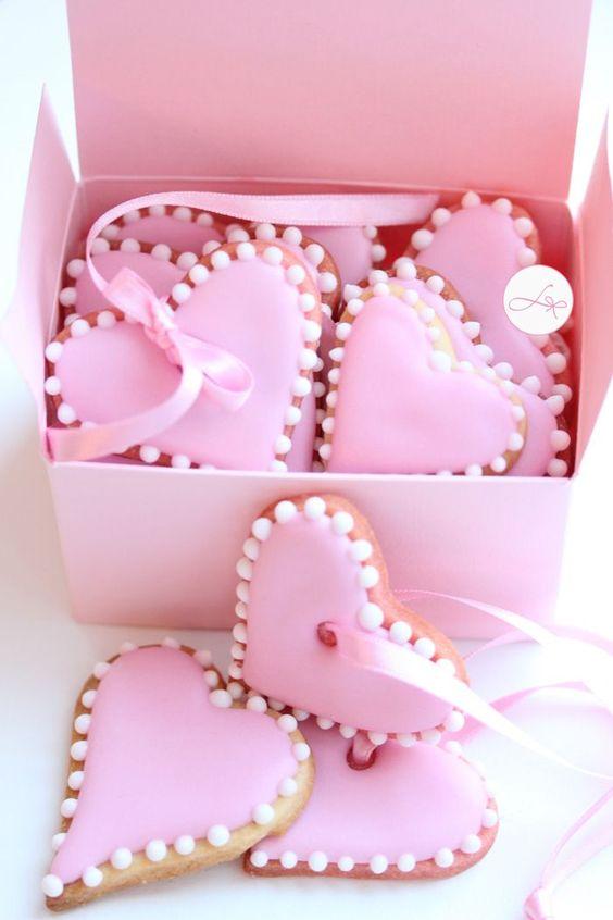 pink.quenalbertini: Pink Heart Cookies