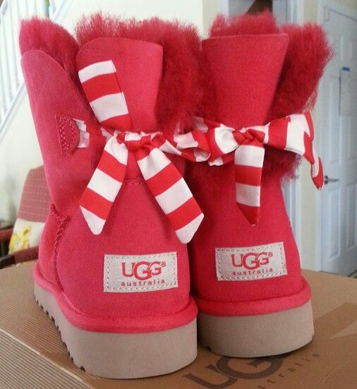 red valentine uggs