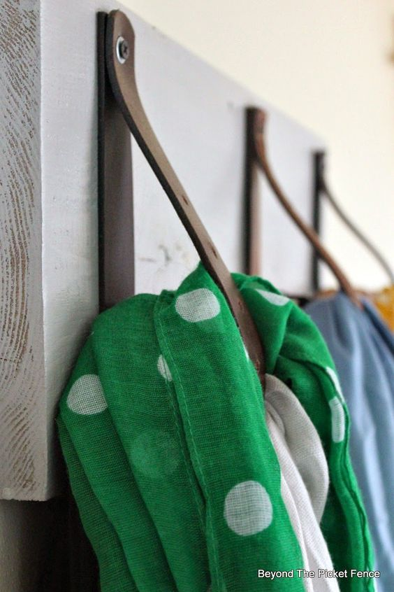 DIY Scarf Hanger in 30 Minutes, Beyond The Picket Fence http://bec4-beyondthepicketfence.blogspot.com/2015/02/scarf-hanger-in-30-minutes-or-less.html
