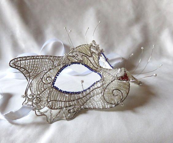 Blanco de la máscara de la mascarada de por gringrimaceandsqueak