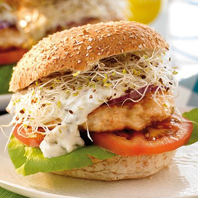 Burgers de poulet au maïs et tomates séchées au BBQ