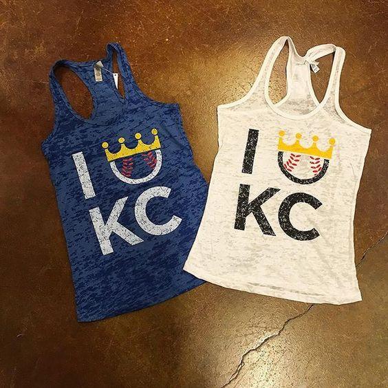 Baseball season is right around the corner⚾️|| ($26). #frankieandjules #fnjstyle  #shopfnj #kcstyle #royals #royalsbaseball #openingday #openingday #kc #baseball #cowtown #crowntown #whatimwearing #whatimwearingtoday #ootd #midwestisbest #midwestblogger #midwestdressed #stadiumstyle #kauffmanstadium #lemonadelemonade #bucknight #converse #baseballtee #outfitinspiration #outfitinspiration #streetstyle