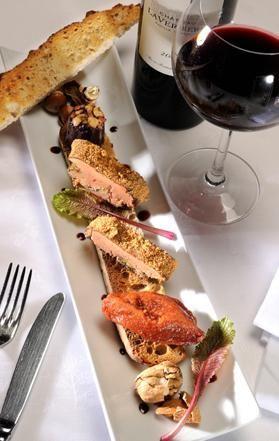Le foie gras de canard poché au cabernet sauvignon et pain dépices | Guide Des Restaurants Gastronomiques Et Hôtels / Tables & Auberges |