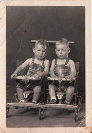 Mike Disfarmer (1884-1959)  Heber Springs, Arkansas  Twins  The Disfarmer Studio, 1939-1946 www.jcarmaninc.com: