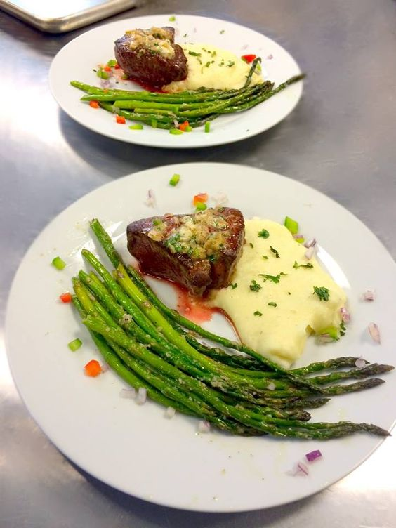 www.eventsbybh.com Pan seared #filet with herbed butter and crushed garlic with cracked pepper, served with smashed Yukon gold potatoes and roasted asparagus. #Wedding #Tasting - Info@EventsByBH.com