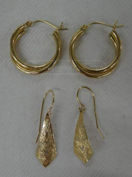 shopgoodwill.com: 2 Pairs Marked 14K Earrings ~ 2.0 Grams