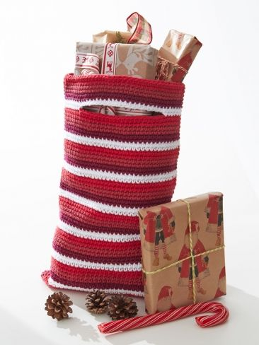 Free Crochet Patterns For Christmas Gift Bags : Gift bags, Crochet patterns and Crochet on Pinterest