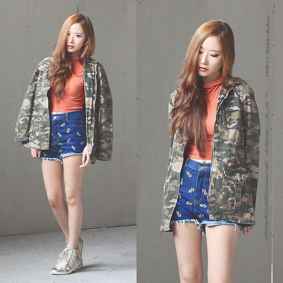 Stradivarius Camo Jacket, Gowigasa Dollar Sign Shorts, Dorothy Perkins Gold Sneakers