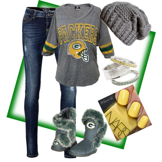 Green Bay Packers outfit.... Go pack go!!