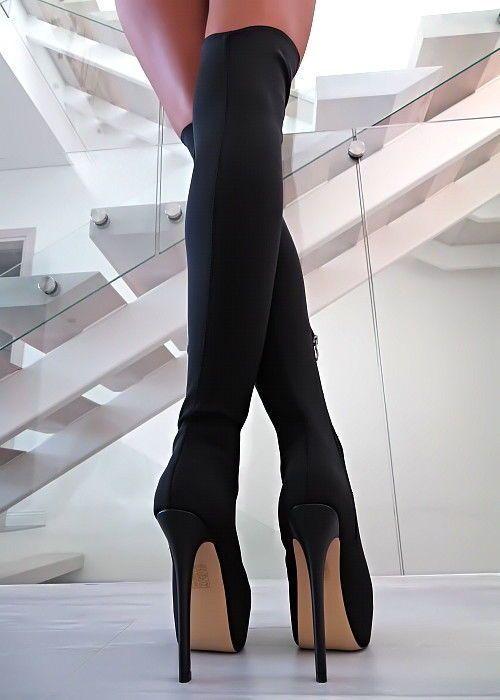 Lange Beine Hohe Absätze Brünette