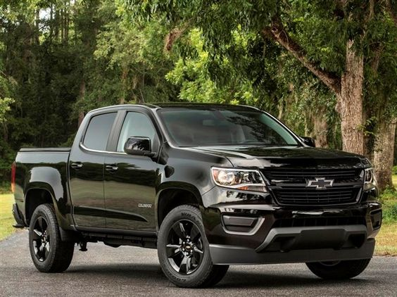 2016 chevy colorado midnight edition and z71 trail boss unveiled kelley blue book ride. Black Bedroom Furniture Sets. Home Design Ideas