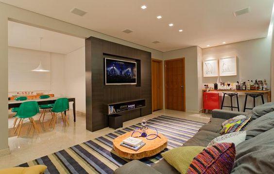 Residência Hanriot I Isabela Bethônico Arquitetura. Sala integrada / Funcionalidade / Cores