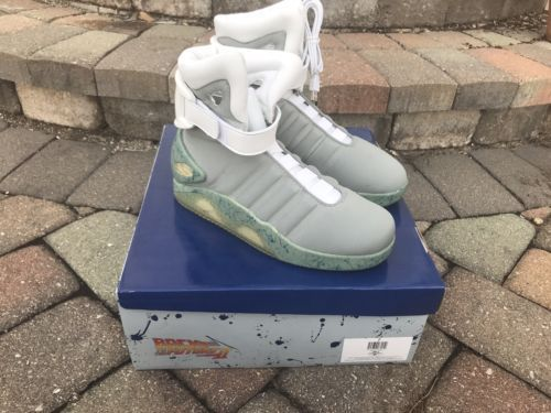 Air Mag Back To The Future Ebay Nike Air Mag Back To The Future Replica Nike Airmag Backtothefuture Trending Trendingfashion Nike Air Mag Vintage Sneakers Nike