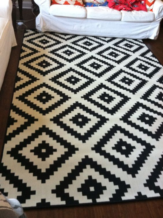 home chic raleigh ikea rug black and white rug black and white ikea rug modern print ikea. Black Bedroom Furniture Sets. Home Design Ideas