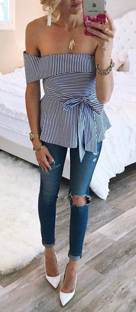 summer outfits Blue Striped Off The Shoulder Top Destroyed Skinny Jeans