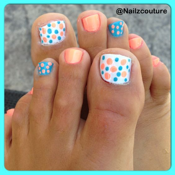 Polkadots: blue and peach pedicure nail art. Need to do this! Cute and simple…