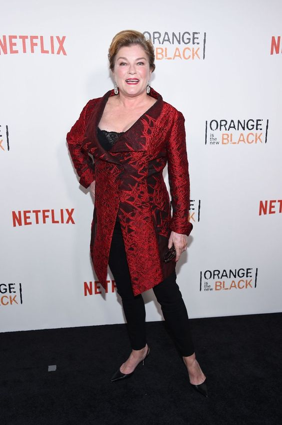 Pin for Later: Le Cast de Orange Is the New Black Se Met sur Son 31 Pour le Lancement de la Quatrième Saison Kate Mulgrew