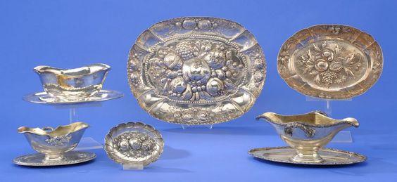 Konvolut Sechs Teile Drei Saucieren und drei Schalen. Verschiedene Feingehalte. 33 x 26 cm und kle — Silber
