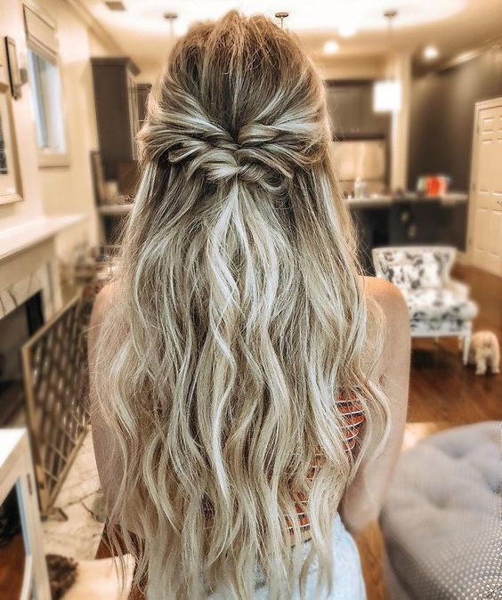 28 Captivating Half Up Half Down Wedding Hairstyles Wedding Hairstyle With Twist Straight Hair Natural C Bohemian Wedding Hair Hair Styles Long Hair Styles