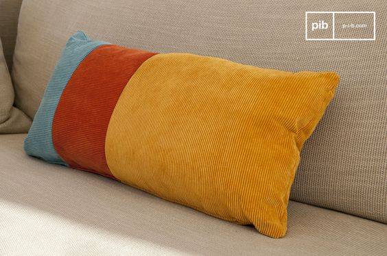 Ein farbenfrohes Kissen