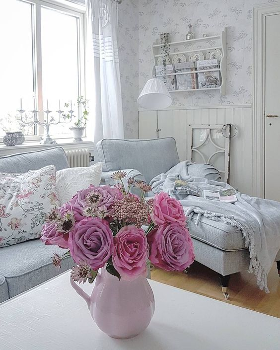 Fashionable Shabby Chic Lovely Space