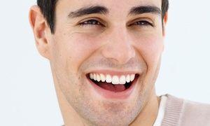 Groupon - 1 o 2 sesiones de blanqueamiento dental led y limpieza bucal completa para una o dos personas desde 59 € en Arapiles Dental. Precio de la oferta Groupon: 59€
