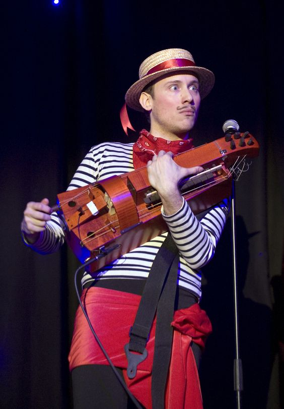 Venetian Masked Ball 2010 - Gondolier and his hurdy gurdy