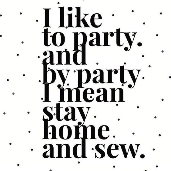 Cheers to Sunday everyone! This sums up our weekends. How about yours?! Like if you agree ✂️ ✂️ ✂️#rjrfabrics #quiltwithlove: