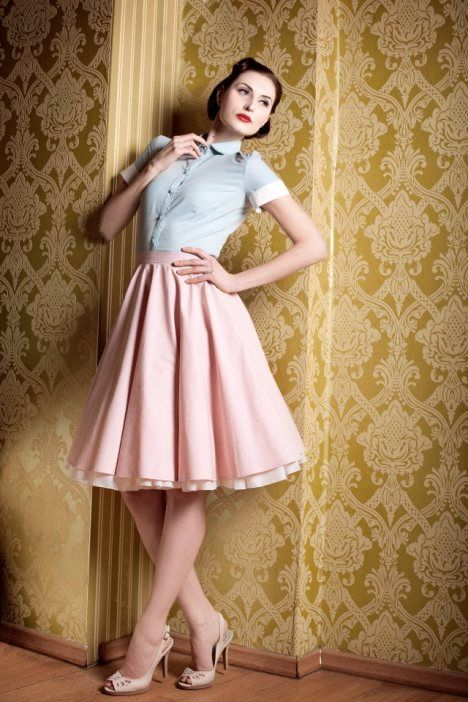 Yvonne Warmbier Pin Up Fashion    http://pinup-fashion.de/6837/yvonne-warmbier-exquisites-pinup-label-aus-berlin/