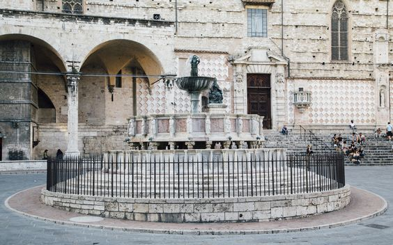 Hillside City Perugia And Five Of Its Gems: ROAM + GOLIGHTLY