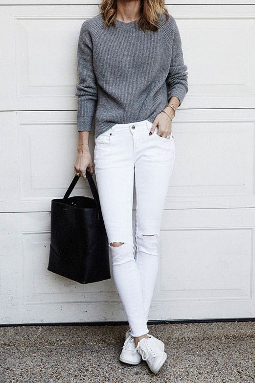Proof That White Jeans Go with Everything #purewow #fashion #whitejeans #summerfashion #summeroutfitideas #springfashion #springoutfitideas #outfitideas
