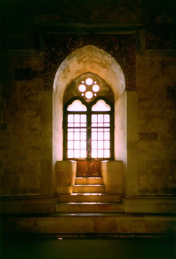 Castel del Monte, la unión exquisita de la Geometría y la Astronomía, y ¡cómo no!: el octógono. | Matemolivares