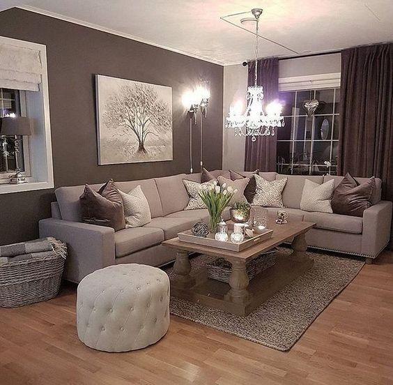 Classic And Comfortable Living Room Decoration Ideas Classic Living Room Decoration Comfortable Living Ide Dekorasi Rumah Desain Interior Ide Ruang Keluarga