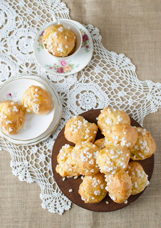 chouquettes with pearl sugar