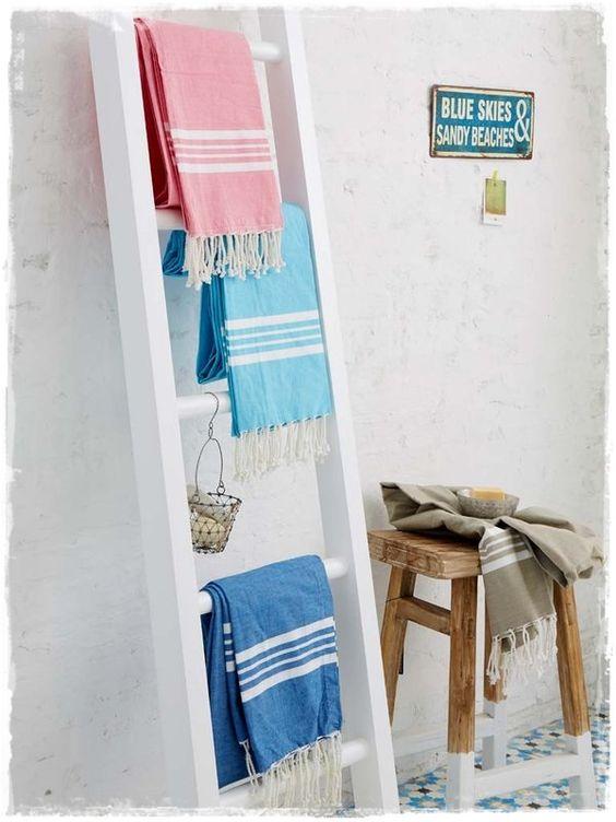 Escaleras de madera toallero para decorar ba os comprar for Escaleras plegables baratas