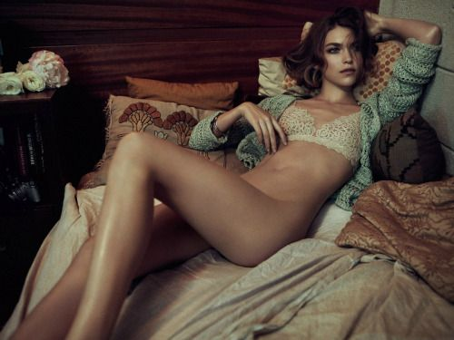 hotshotmodels:  Knitted lingerie