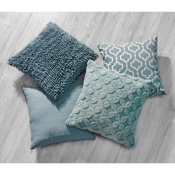 Blauwe accessoires brengen rust... #kwantum #kussens #woonaccessoires